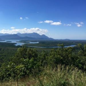 Lors d'un arrêt sur la routeaprès Cairns,nous sommes tombés sur ce point de vue.